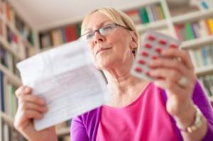 Les seniors et les médicaments : attention aux mélanges !