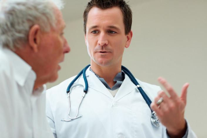 La garantie d'un salaire minimum de 4 600 euros pour les jeunes médecins