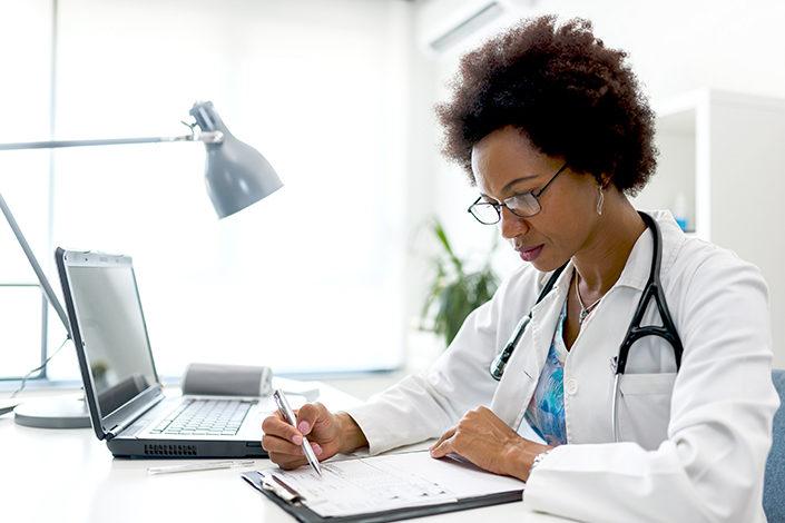 Médecins généralistes Assurance Maladie au coeur du contact tracing COVID19 déconfinement MILTIS