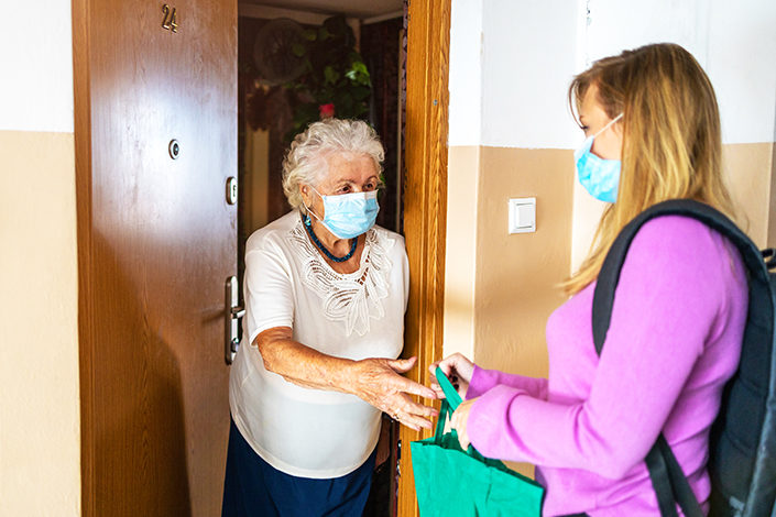 Courseur application entraide sociale entre voisins pour les personnes âgées et personnes fragiles MILTIS